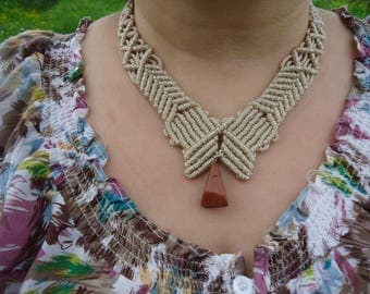 Micromacrame jewellery.Brown macrame necklace made with waxed thread and a brown aventurine stone.