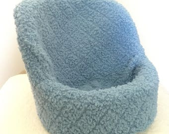 Blue posing chair cover