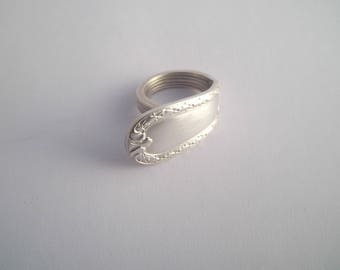 T 56 silver spoon ring