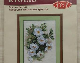 Counted Cross Stitch Kit  RIOLIS - 1351 WHITE BRIAR