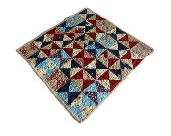 Quilted Hourglass Table Square