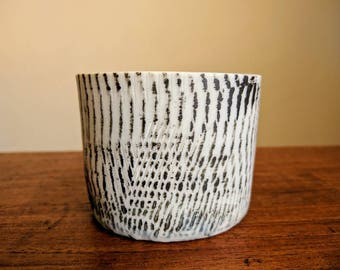 Porcelain candle votive