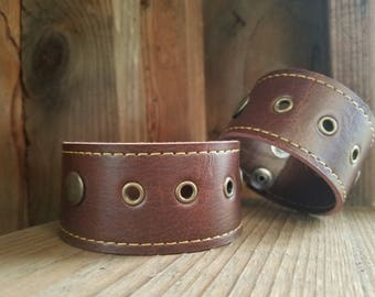 Simple brown cuff