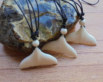 Maori Whale Tail Bone Necklace, Bone Pendant, Bali Bone Carving Jewelry  M14