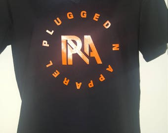 PLUGGED N APPAREL T-SHIRT w/bold pna