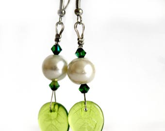 Earrings green leaves and pearls