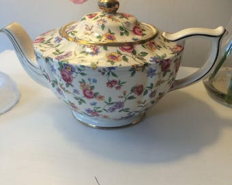 Pretty Sadler White Chintz Shabby Wildflower Teapot