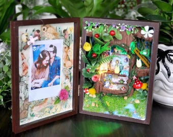 Forest ~ DIY Minature kit, Great Gift Idea for Chritmas and Birthday, Cute Decoration, Minature Set, can hold photo