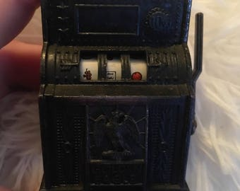 Vintage slot machine pencil sharpener