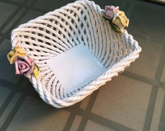 Porcelain basket with applied flowers made in Italy