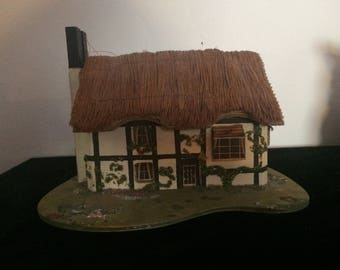 Pauline Ralph Thatched roof Tudor Cottage Music Box