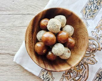 "Healthy Snack"" Homemade Granny's Date Balls"" (pack of 12) Raw Vegan and Gluten Free Option"