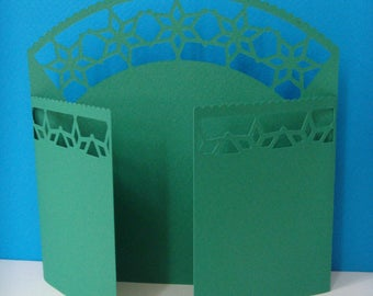 Green with ornaments Star Gate card