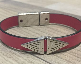 Pink leather bracelet ethnic and magnetic clasp