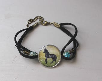 Bracelet beads and horse