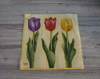 yellow background and 3 tulips napkin
