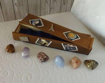 Coffret de collection  - pièce  unique  - Style '' Timbre '' - Thème '' Les astres '' - collection de pierres - minéraux - idée cadeau