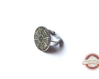 Silver round ring retro vintage