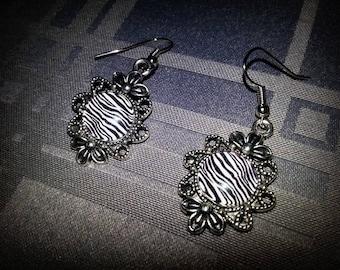 Zebra, 12mm, black and white Zebra print glass cabochon earrings
