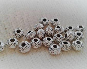 Set of 10 ethnic metal beads