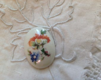 Small size 26x19mm old cabochon