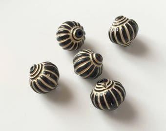 set of 5 Brown acrylic beads