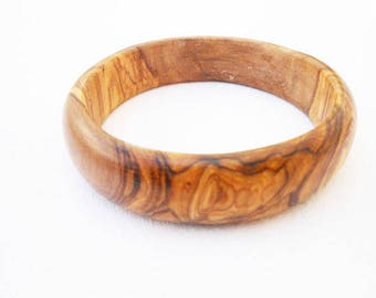 Bracelet made with olive wood