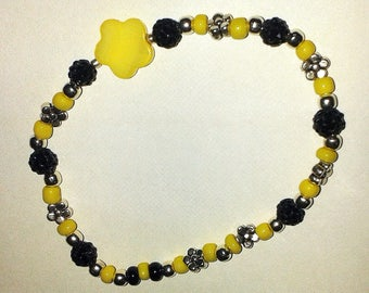 Baroque small yellow flower bracelet
