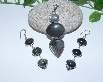 Beautiful set in 925 sterling silver and Labradorite multiples