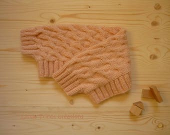 Burp powder (6/8 years old) hand made woolen for dancers