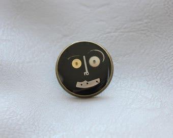 Round pine 2.5 cm bronze, resin and watch parts Steampunk