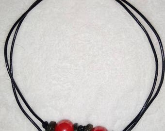Double Choker necklace with three pearls