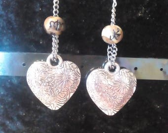 Pretty dangling earrings with acrylic beads and hearts