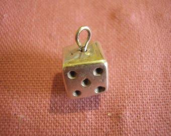 Bead shape of silver metal pendant