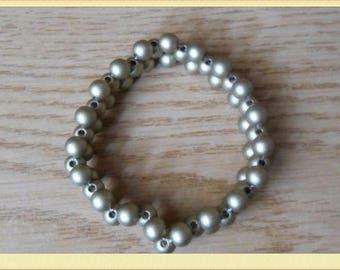 Beaded cross bracelet bright light brown