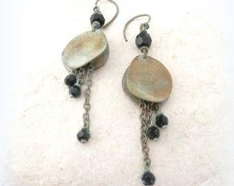"""""""Petal Bohemian"""" - black Swarovski pearls earrings - brass """""""