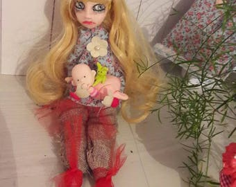 Romantic Gothic articulated doll
