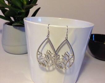 Elegant earrings drop silver