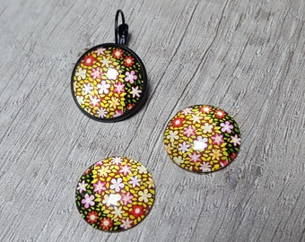 2 glass cabochons 20mm flowers