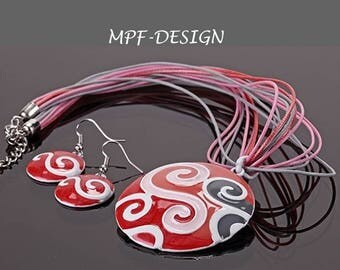 Red, white and gray enamel set