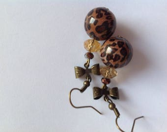 Earrings retro vintage bronze, Pearl Brown leopard speckled, bows