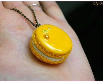 Yellow banana macaroon necklace polymer clay fimo x 1