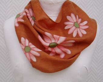 Scarf, snood wool neck pink and Brown Bunting hand painted