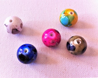 5 original variegated mottled beads, 5 different colors, acrylic, 18 mm