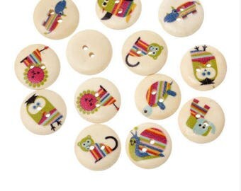Set of 10 wooden animal buttons