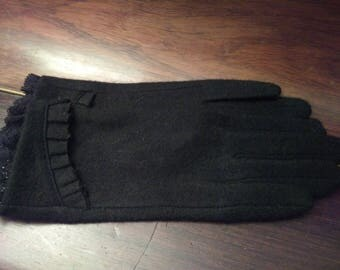 Black cashmere and Lace Gloves