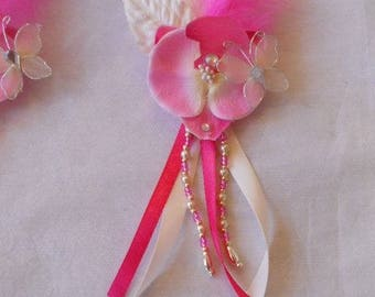 Buttonhole back dragging or fuschia and ivory brooch