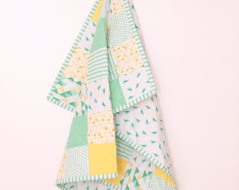 Modern Square Bird Baby Quilt - Baby Blanket - Crib Blanket