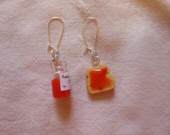 Earrings strawberries jam jar and its slice