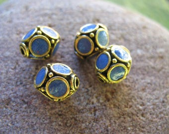 1perle Indonesian blue and gold polymer clay